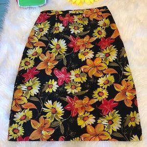 Beautiful Floral Notations Skirt